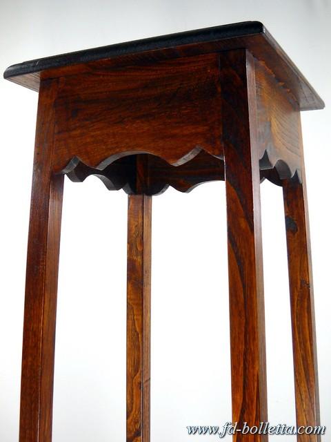 Portavasi riproduzione in legno di castagno alzata for Portavasi in legno