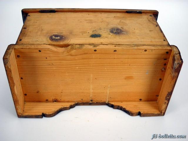 Cassapanca antica in legno arte povera baule cassapanche for Cassapanca antica