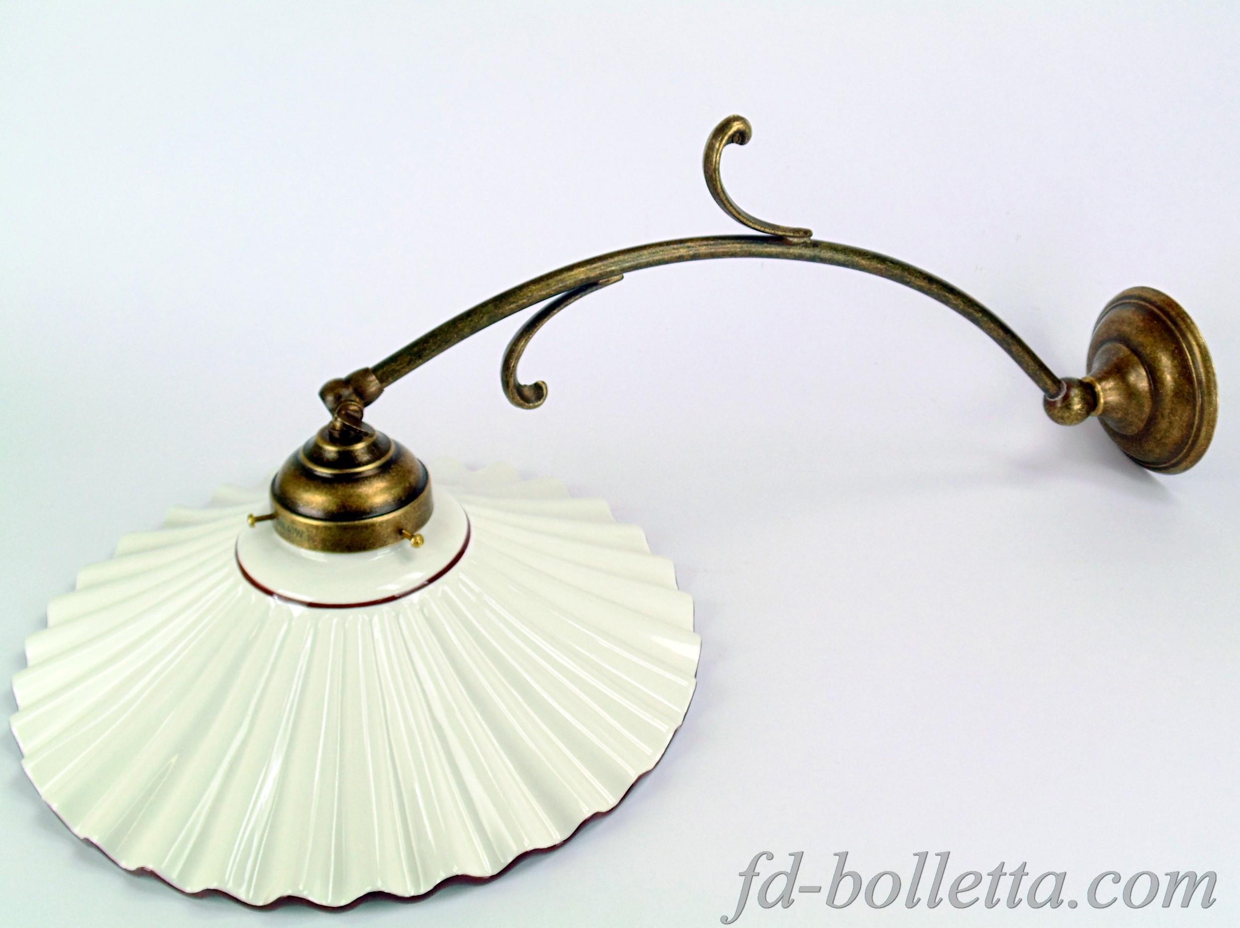 Applique ottone brunito con piatto ceramica al fd bolletta lampade