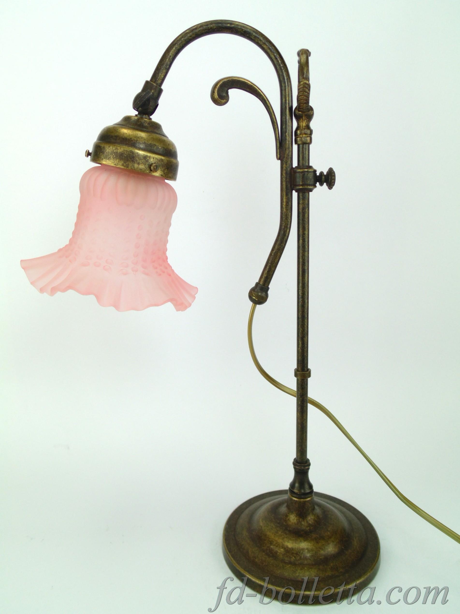 Lampade Da Tavolo Liberty : Lampada ottone brunito da tavolo lampade stile liberty